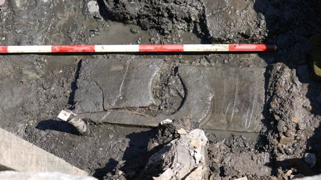 PRESS RELEASE - Earliest known wooden toilet seat discovered at Vindolanda