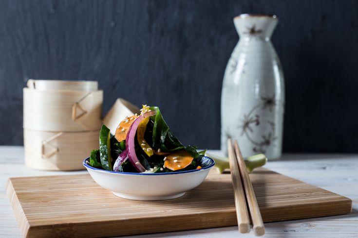 Provate la nostra insalata di alghe giapponese: una rivelazione di delicatezza e consistenze!