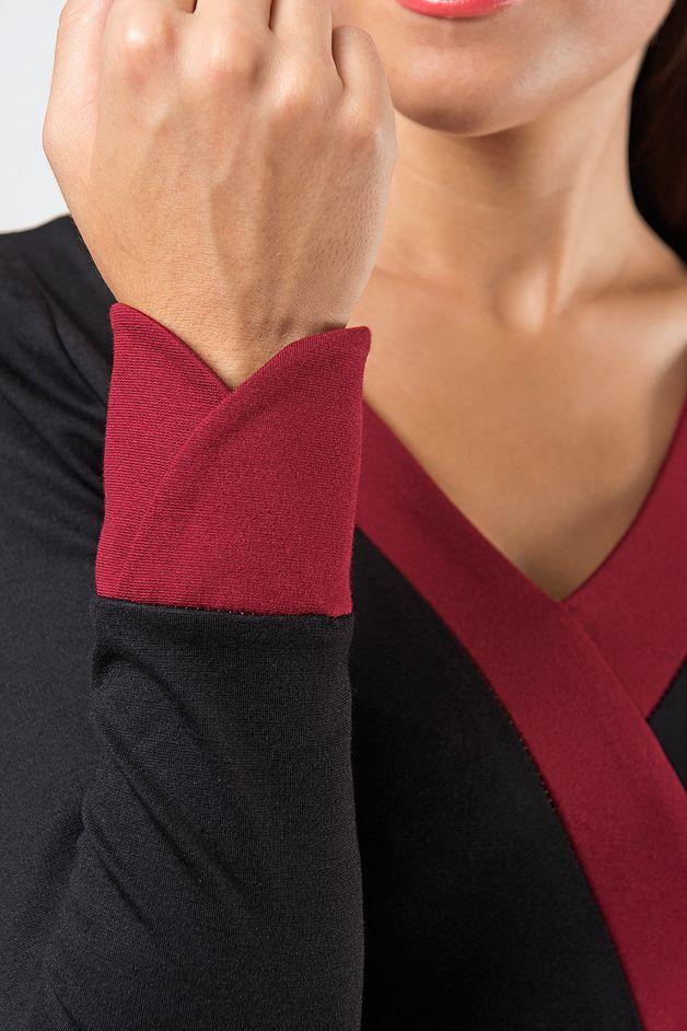 »Annabella« ist schlicht und bezaubernd. Am Ausschnitt und am Ober-/Untertritt sind die Blenden sowie der prägnante Taillenring farblich abgesetzt. Die Ärmel haben tulpenförmige Manschetten und...