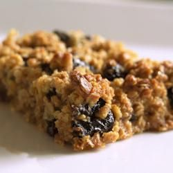 Fruity flapjack made with prunes