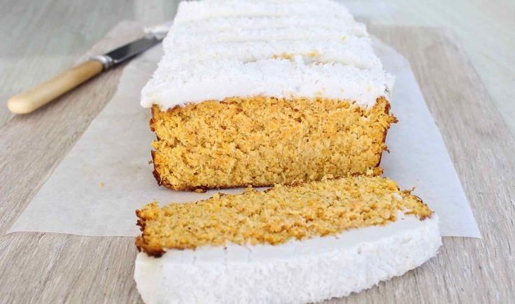 A delicious, moist, gluten, grain free and refined sugar free carrot coconut cake recipe by Brisbane nutritionist Casey-Lee Lyons from Live Love Nourish via @themmsisters