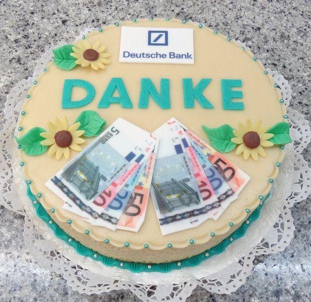 Torte Mit Dekorationen Aus Marzipan Und Zucker Mit