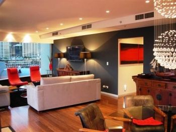 This 3 Bedroom apartment in Darling Harbour has the WOW factor. Excellent choice in colour contrasts and design.