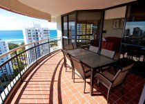Victoria Square Apartments - Subpent House Balcony - Broadbeach Family Apartments
