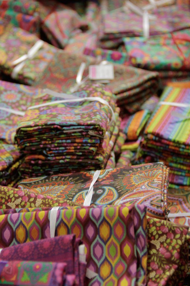 Tecidos com estampa desenvolvidos pela designer Renata Blanco (crédito da foto: Karina Díaz)