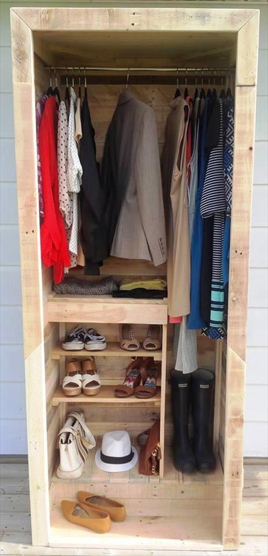 handcrafted-pallet-wood-closet.jpg 720×1,493 pixels