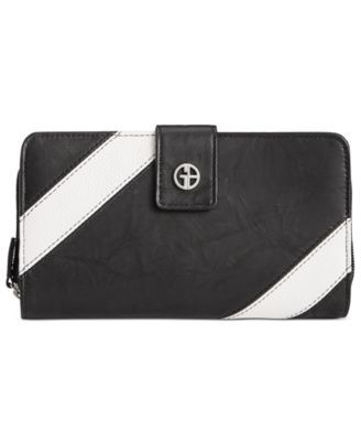 Giani Bernini Striped All-In-One Wallet, Created for Macy's $16.96 Crisp stripes and a shiny logo plaque style a double-compartment Giani Bernini wallet made to fit a smartphone plus financials.