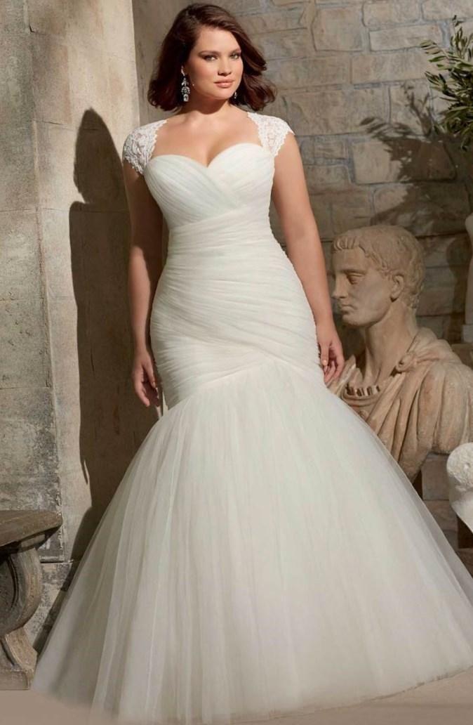 Фасоны свадебных платьев для полных - http://1svadebnoeplate.ru/fasony-svadebnyh-platev-dlja-polnyh-4026/ #свадьба #платье #свадебноеплатье #торжество #невеста