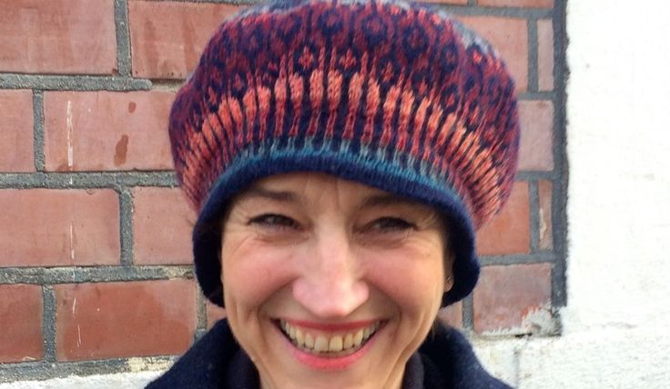 Knit a top down beret without a pattern