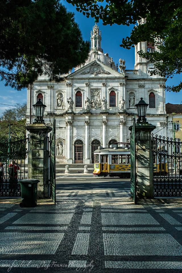 Basilica da Estrela #Lisboa, is a very old church, with its own garden in front where you can relax, have #fun or drink something . Look for your next #home in here ! www.linceco.com