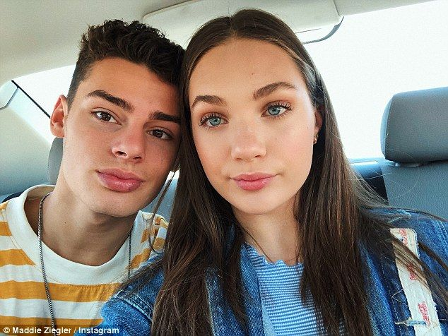 Pin By Eylese Davis On Couple Goals Jack Kelly Maddie Ziegler