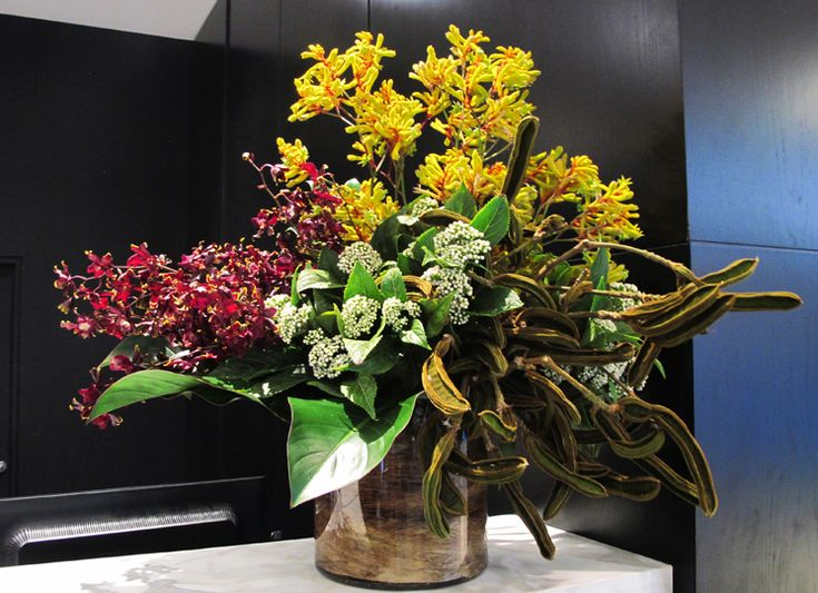 #Tropical #Vase #Arrangement #PohoFlowers #Poho #Flowers #Home #Office