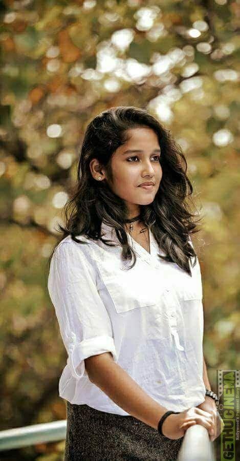 Actress Anikha 2017 New Hd Photo Shoot