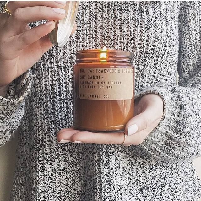 R A I N Y // it's a cold rainy day in Brisbane today and we'd rather be snuggled up at home with our Teakwood & Tobacco candle burning. Thanks for this pic @jordandeville // shop www.tleafcollections.com.au #pfcandleco #soycandles #handpouredcandles #teakwoodtabacco #madeinusa #california #losangeles #brisbane #tleafcollections
