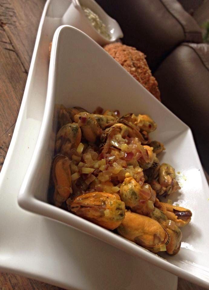 At Sowyen's: Gebakken mosselen/ baked mussels