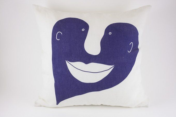 Heart Pillow Blue by Jain&Kriz. Great Valentine's, wedding or birthday present. A striking and playful accent for the bed or living room. 100% linen.