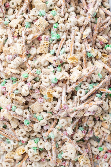 Christmas Crack Chex Mix Is A Family Favorite Filled With Chex Mix Cheerios Salted Peanuts Mms Pretzels And Coated In Chocolate