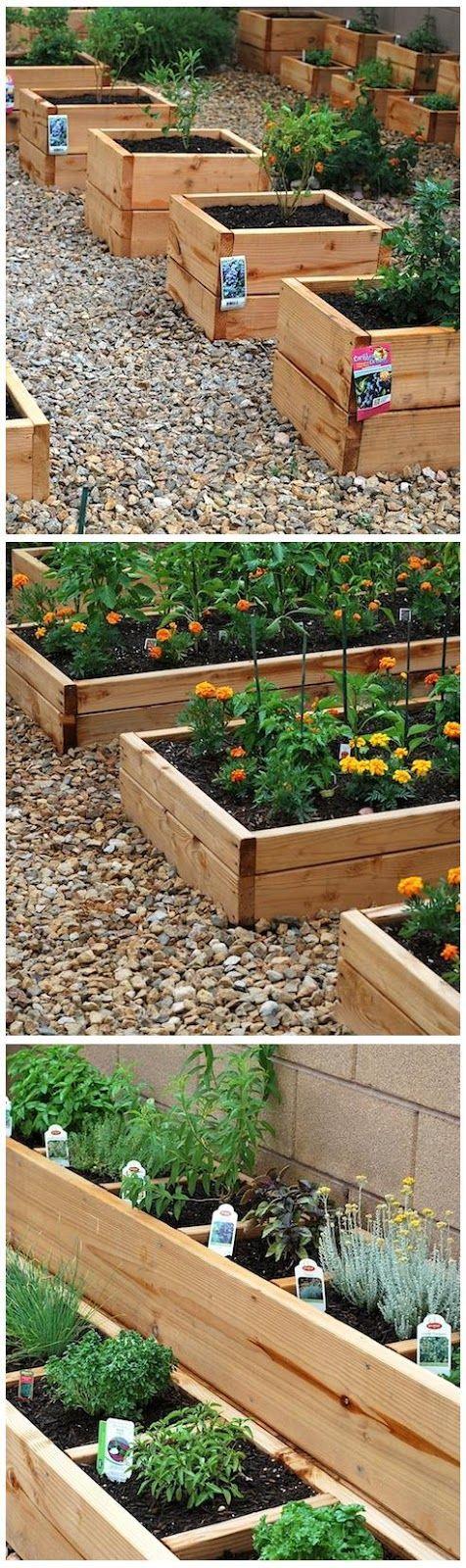 Mini-carrés potagers pour plantes aromatiques, médicinales, fleurs ou même potagères.