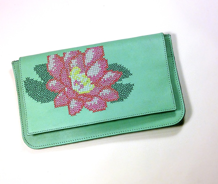 [Dart creations] leather clutch