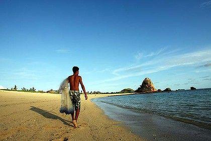 Lombok, Indonesia's secret treasure. For insider travel tips and more... http://megamondotravel.com