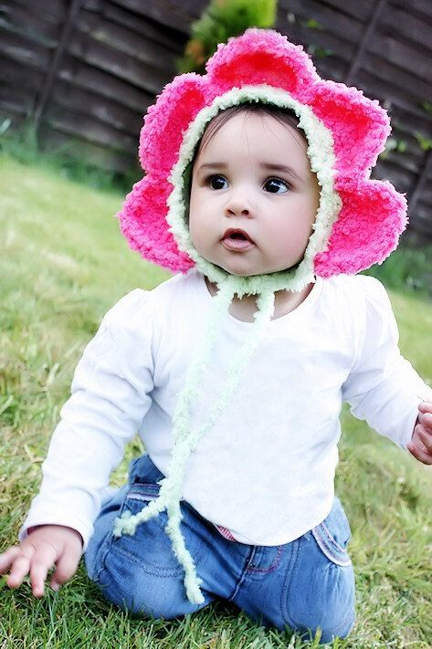 SUMMER SALE* Toddler Lime and Hot Pink Daisy Flower Petals Bonnet Hat. Handmade with love by Babamoon   - size 2T tto 4T -   * Can be made in a choice of colours  * Can by made in sizes Preemie to Adult.  * Order now for Halloween!  * Get 20% off! minimum order applies ->