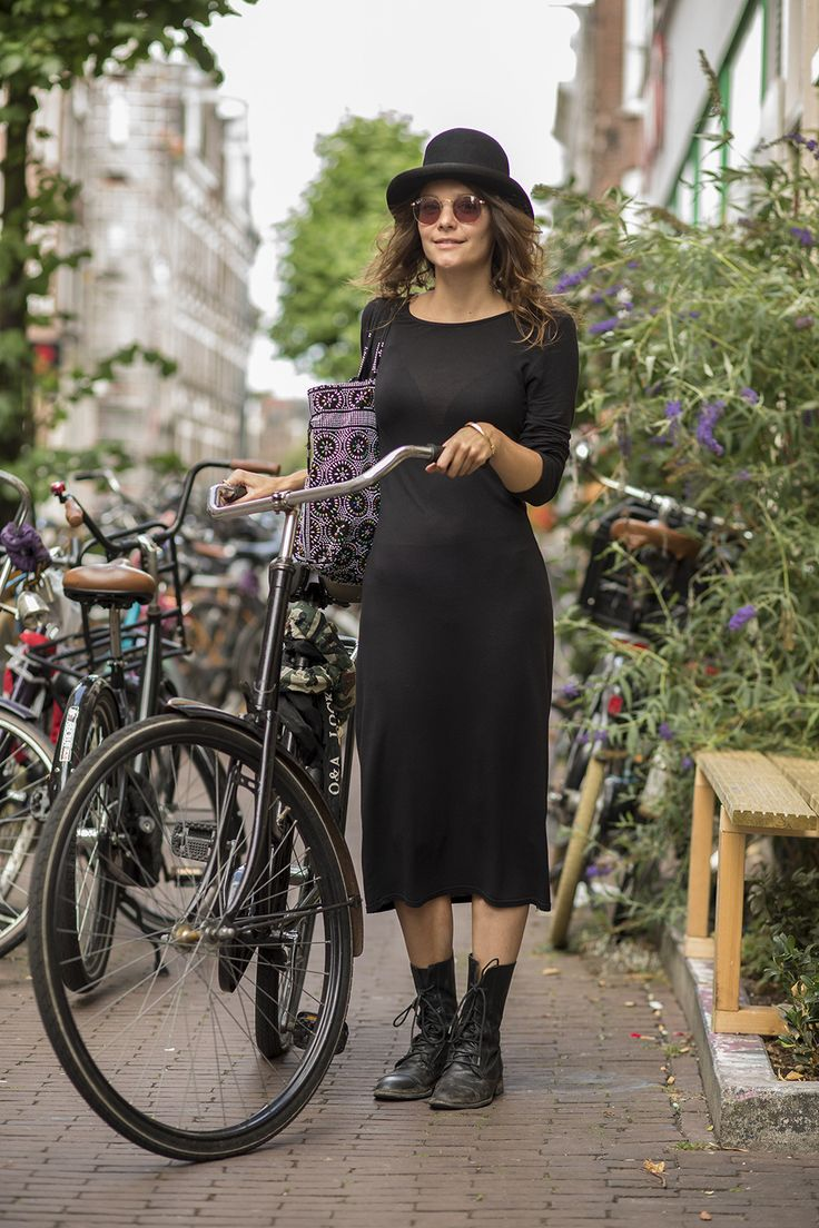 Street Style Amsterdam. Street Fashion Amsterdam. Cycle Chic.