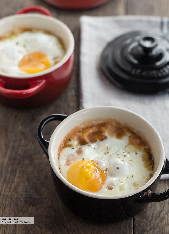 Huevos al horno con falso pisto y provolone. Receta paso a paso