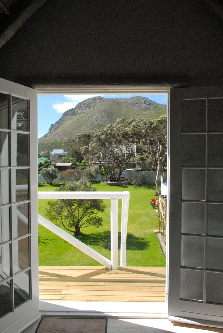 Self catering accommodation, Scarborough,  Cape Town   Tandaza garden view  http://www.capepointroute.co.za/moreinfoAccommodation.php?aID=189