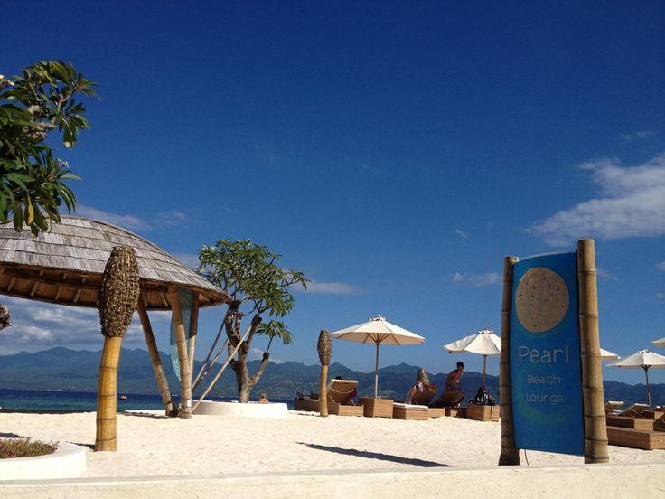 Pearl Beach Lounge - Gili Meno Lombok