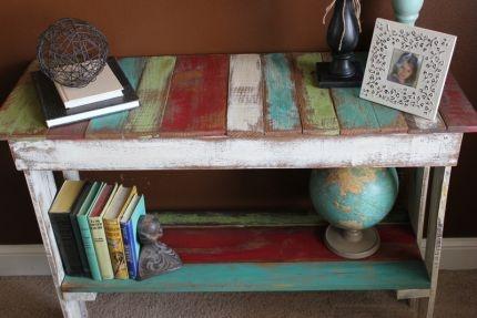 Colorful Pallet Bench: Colors Pallets, Multi Colors, Sweet Colors, Colorful Pallets, Log Houses, Terrif Ideas, Logs House