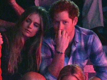 Dúl a szerelem Harry herceg és menyasszonya között http://www.nlcafe.hu/sztarok/20140307/harry-herceg-cressida-bonas-ii-erzsebet-kiralyi-udvar-/