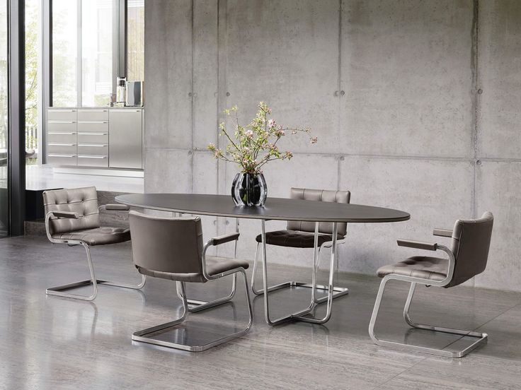 RH-305 jídelní židle v kůži, retro styl / dining room in retro style