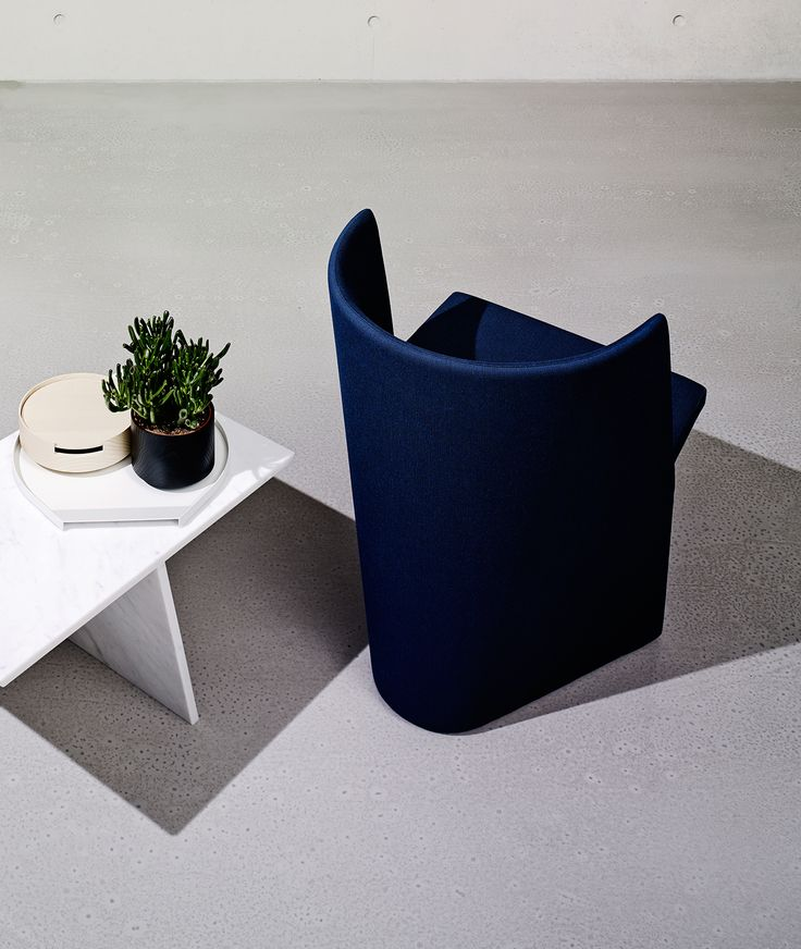 IMM 2015: Have a seat! We cordially invite you to visit our upcoming showcase from 19th until 25th of January at the IMM in Cologne. You will find us and our novelties, LIFT by Eric Degenhardt and CHARLIE by Pauline Deltour, in hall 3.2., booth D 034.  We look forward to meeting you there !