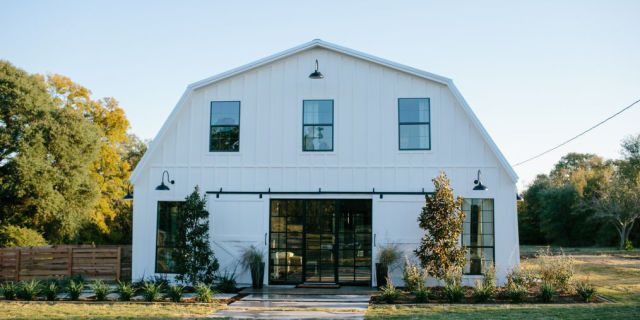 Everyone On Pinterest Is Obsessed With Barndominiums