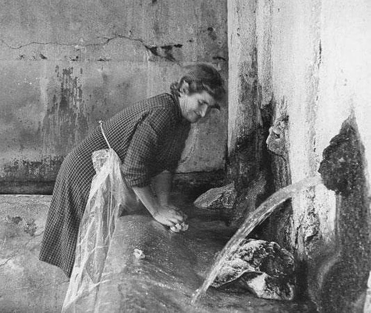 Al lavatoio pubblico #Sardinia : A sciacuai sa roba !