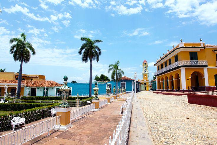 Villa Trinidad de Cuba è una casa coloniale con la tipica architettura coloniale cubana, fedelmente ristrutturata, con i dettami tipici dello stile di inizio '900:  tetto in tegole, elaborate grate di legno alle finestre, scuri alle finestre, porticato