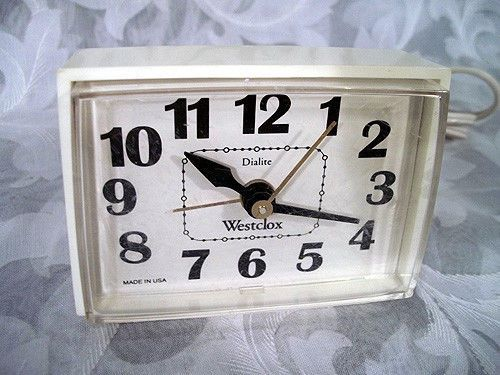 sold vintage westclox dialite electric alarm clock model 22090 22540 made in usa house decor. Black Bedroom Furniture Sets. Home Design Ideas