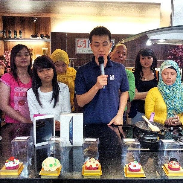 Setelah mendekorasi cupcake, ini lah saat pengumuman pemenang mendekorasi cupcake