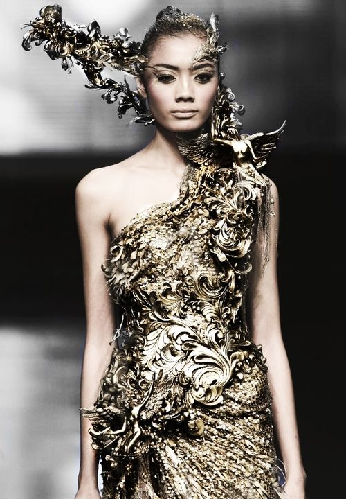 Tex saverio haute couture 2012 fairy tale material for Haute couture materials