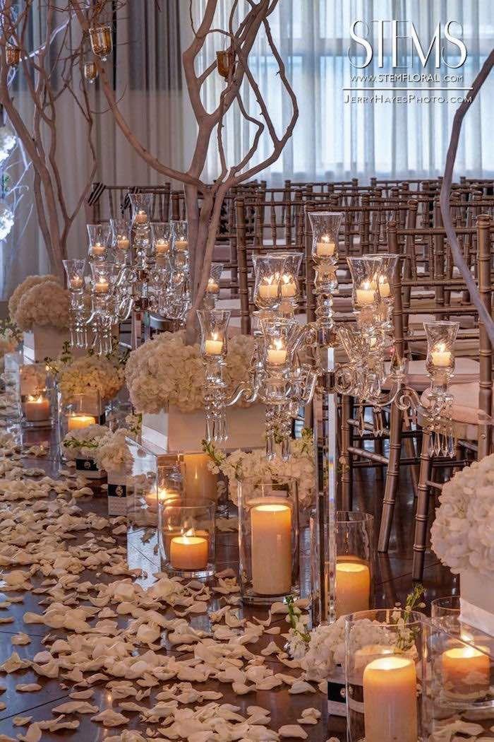 photo: Jerry Hayes Photography; Ravishing wedding ceremony idea; via Maxit Flower Design;