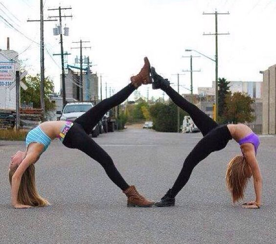 2 person acro yoga | person stunts | Exersizes | Pinterest | Bilder und Lol