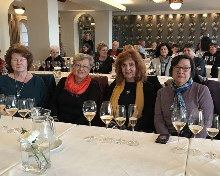 Vermont neighbourhood attending Hermanus FynArts Wine Plus series. #hermanusfynarts #fynarts