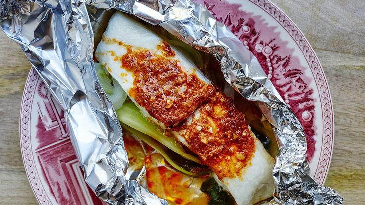 Packets of halibut leaves with chile butter   – Recipes