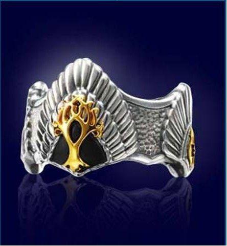 """La couronne d'Elessar  -Elessar veut dire """"pierre elfique"""" c'est le nom qui a été donné à Aragorn"""