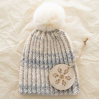 Knit- Ravelry - free pattern.. Quick Like a Snow Bunny