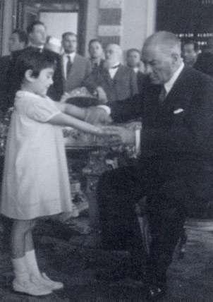 Ataturk with adopted girl Ülkü Adatepe.