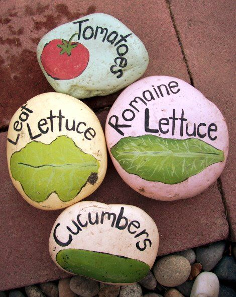 Painted rocks for garden markers.Gardens Stones, Gardens Ideas, Painting Rocks, Cute Ideas, Plants Markers, Garden Markers, Gardens Markers, Painted Rocks, Gardens Rocks