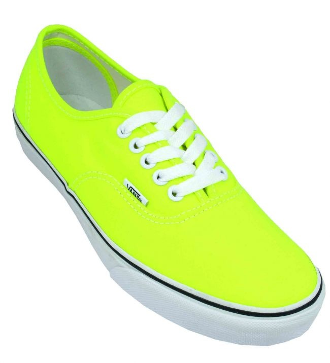 Again some more neon yellow with white laces. Love!