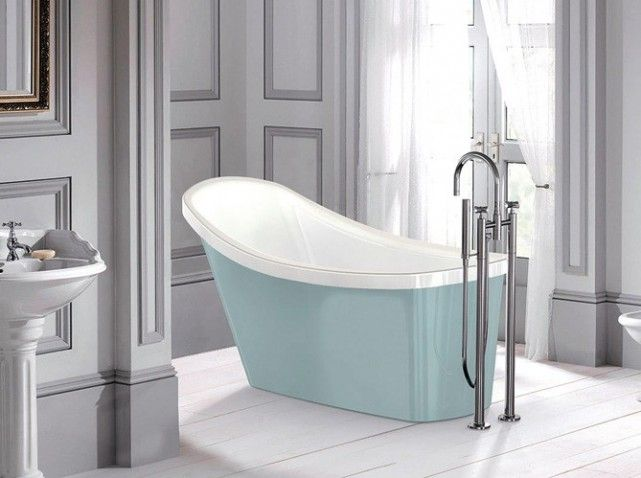 I like the egg blue bathtub with the grey walls. http://www.maison-deco.com