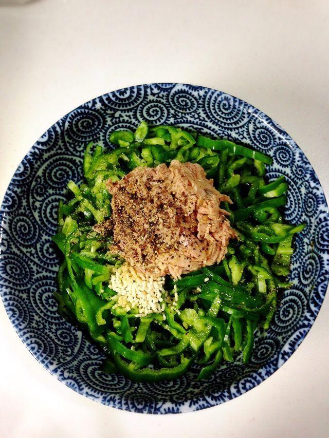 飯がすすむ魔法の常備菜、無限ピーマンのレシピ - Togetterまとめ